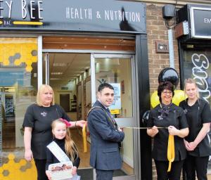 Mayor Adam Zair officially opening the new Honey Bee store in Newgate Street