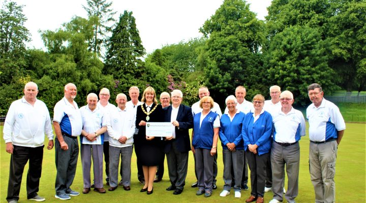 Mayor Joy Allen presenting the Community Fund grant to Members of Bishop Auckland Bowling Club
